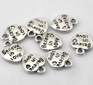 10 x Antique Silver Believe in love Heart Charm Pendants